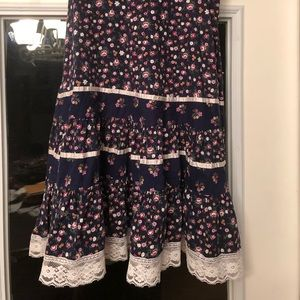 Dresses & Skirts - Perfect Festival Vintage Navy Floral & Lace Skirt